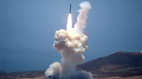 El lanzamiento del misil del sistema GMD del 30 de mayo de 2017 desde la base de Vandenberg en California.