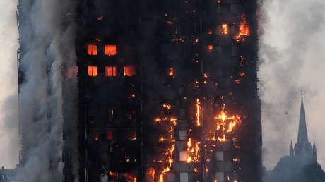 En el inmueble, de 24 plantas y 120 viviendas, vivían entre 400 y 600 personas.