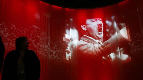 """La exposición 'El Estado del engaño: el poder de la propaganda nazi"""", en el Museo Nacional del Holocausto en Washington, EE.UU., 4 de febrero de 2009"""