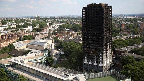 Los restos chamuscados del edificio de Grenfell Tower en Londres, Reino Unido, tras sufrir un devastador incendio, el 18 de junio de 2017.