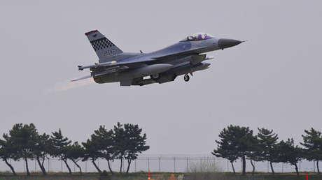 Un caza F-16. Foto de archivo.