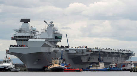 El portaviones HMS Queen Elizabeth en Rosyth, Escocia, el 26 de junio de 2017.