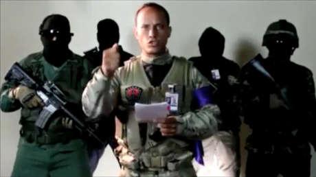 Oscar Pérez lee un comunicado el 27 de junio de 2017. La imagen fue tomada de un video.