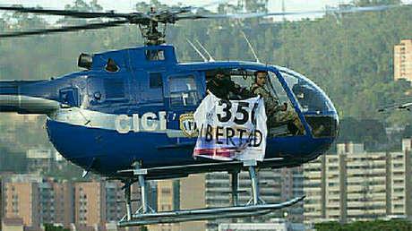 Un helicóptero de la policía fue robado y utilizado para lanzar granadas contra la sede del Tribunal Supremo de Justicia (TSJ), en Caracas, Venezuela. 28 de junio de 2017.