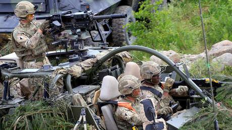 Soldados estadounidenses durante los ejercicios militares 'Iron Wolf' en Stasenai (Lituania)