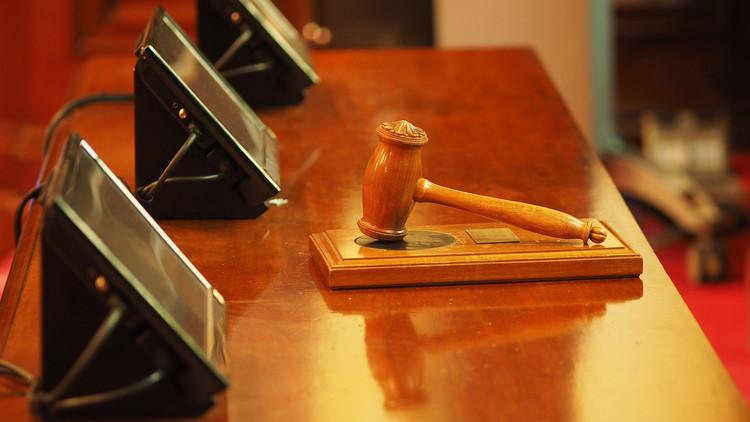 """""""Voy a perdonarlo todo"""": El juez que sorprende a EE.UU. por su sensibilidad y sentido común"""