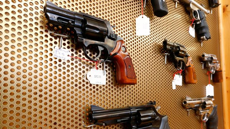 El país que está a punto de permitir el uso de armas personales contra los terroristas