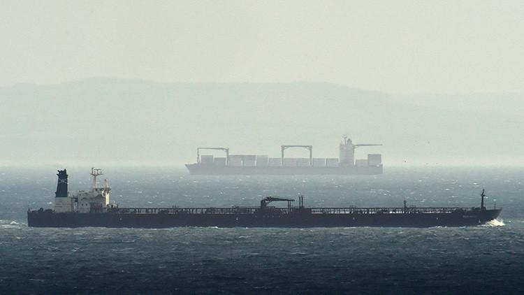Un petrolero choca contra otro de carga en el canal de la Mancha
