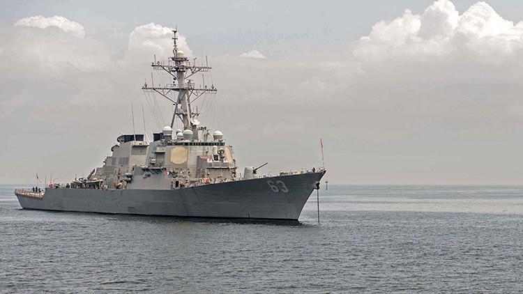 Un buque de guerra chino escolta a un destructor de EE.UU. cerca de las islas en disputa