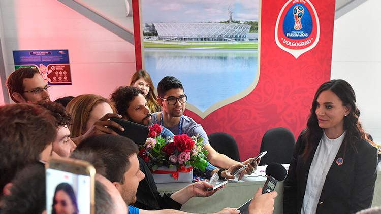 """La bicampeona olímpica Isinbáyeva a RT: """"Sorprenderemos a todos aún más con la Copa Mundial"""""""