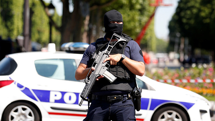 Francia: Varios heridos tras un tiroteo frente a una mezquita de Aviñón