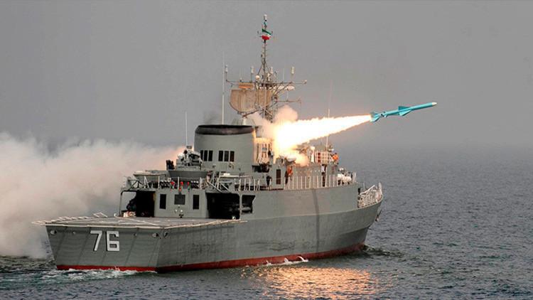 Irán despliega sus últimos avances en unas maniobras militares en el mar Caspio (VIDEO)
