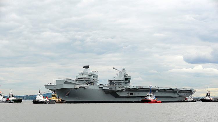 El mayor buque de la Armada británica se queda sin protección