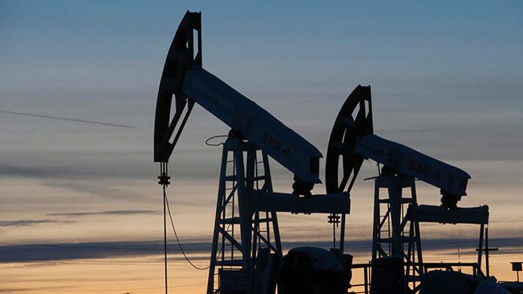 Sube el precio del petróleo tras la caída de la producción en EE.UU.