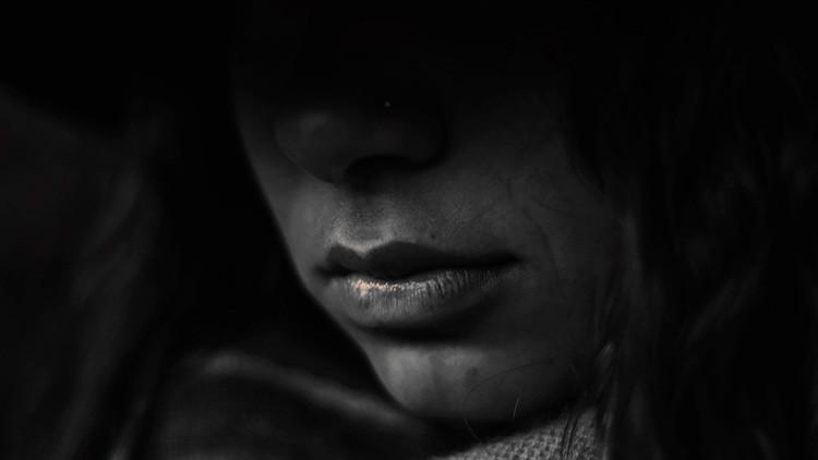 Atacan por quinta vez con ácido a una víctima de violación en la India