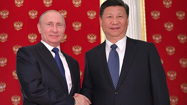 Diálogo fuera de la cumbre: ¿Por qué Putin se reúne con Xi antes del G20?