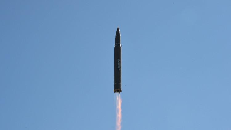 """Pionyang: """"El misil norcoreano puede llevar una carga nuclear grande y pesada"""""""