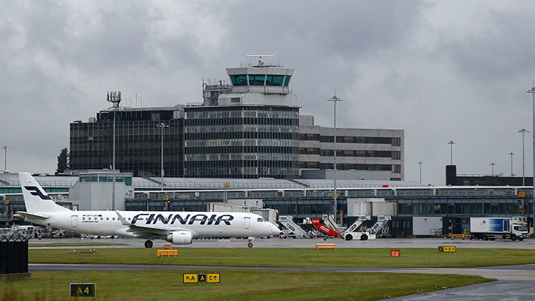 Evacúan una terminal del aeropuerto de Mánchester por un paquete sospechoso