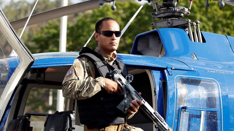 """""""Rubio y tipo estrella de Hollywood"""": Así define la prensa al atacante del helicóptero en Venezuela"""