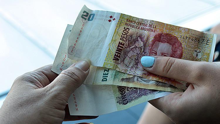 """""""Hay una feminización de la pobreza"""": Las argentinas ganan un 27% menos que los hombres"""