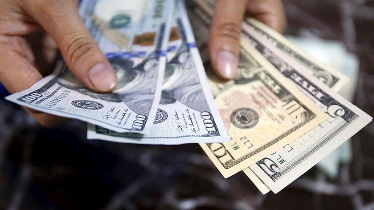 'Con los días contados': Directivo del Bank of America vaticina el fin de la era del dólar