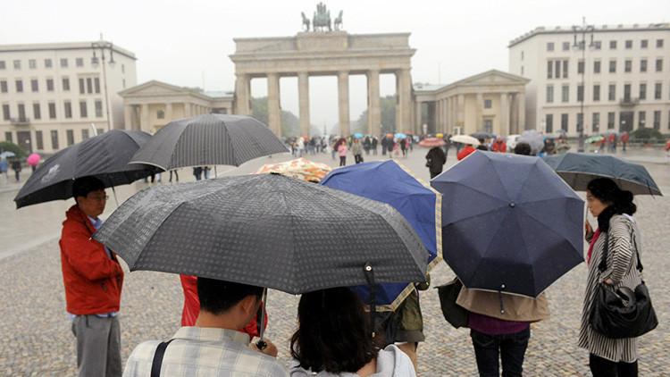 ¿Cómo turistas y novios están financiando en Europa a Kim Jong-un?