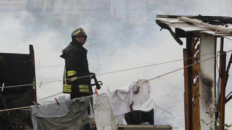 Dos familias quedan sepultadas por un edificio derrumbado en Nápoles