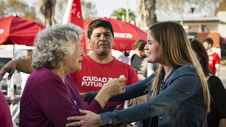 """""""Feminización de la política"""": Componen una lista electoral de Argentina solo con mujeres"""