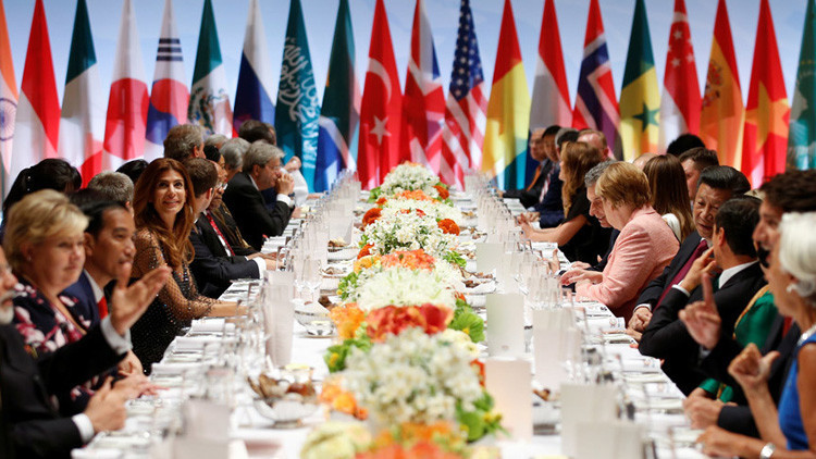 """El papa Francisco explica por qué son """"muy peligrosas"""" las alianzas del G20"""