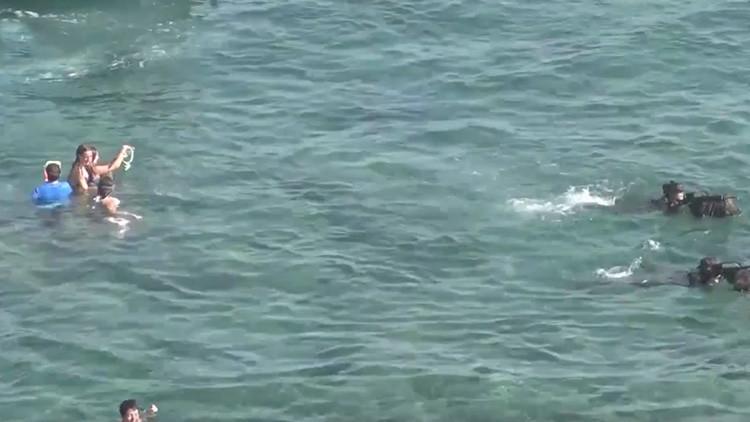 VIDEO: Un 'desembarco' del Ejército español en la costa catalana sorprende a los bañistas