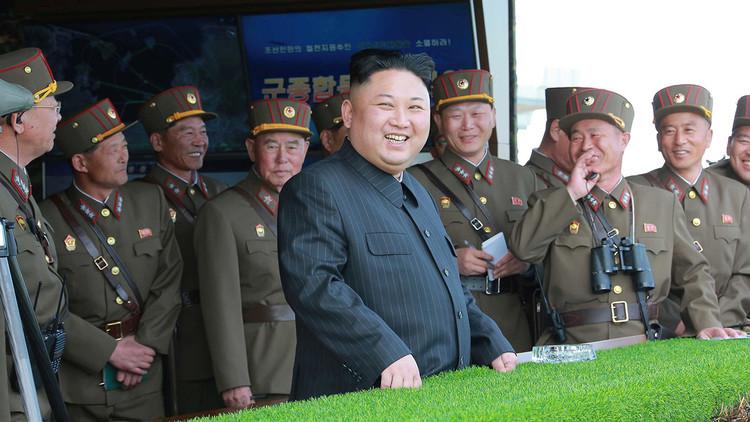 """Pionyang advierte a EE.UU. que no debe """"jugar con fuego estando sentado en un barril de pólvora"""""""