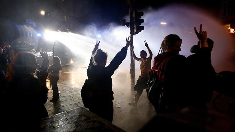 Cañones de agua y coches quemados: continúan los disturbios tras la cumbre del G20 (FOTO, VIDEO)
