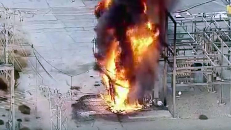 Una explosión en una central de Los Ángeles provoca grandes cortes de electricidad (VIDEOS)