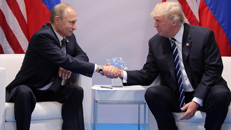 """Putin """"quedó satisfecho"""" con la primera reunión mantenida con Trump"""