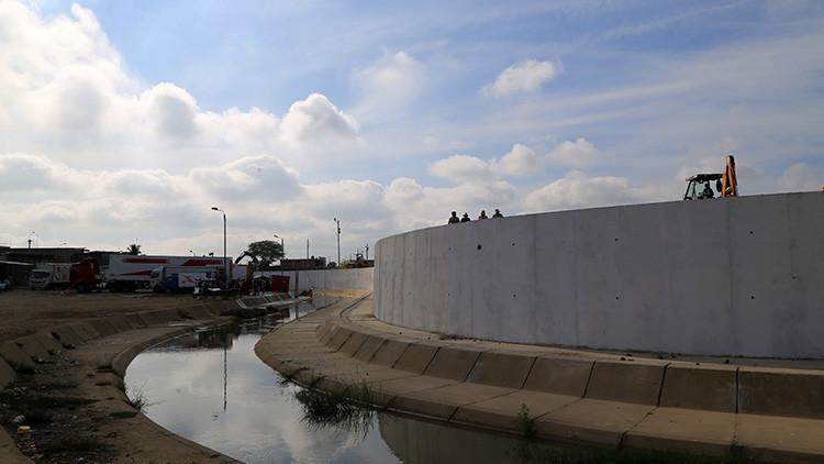Perú llama a consultas a su embajador en Ecuador por la construcción del muro fronterizo