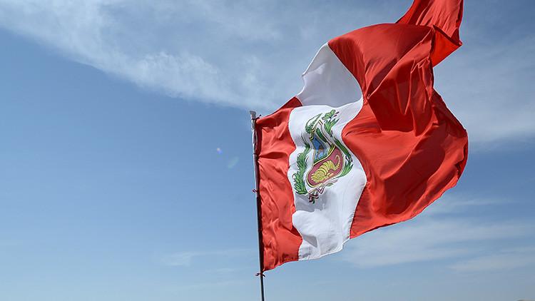 """Ecuador """"lamenta"""" que Perú llame a su embajador por el muro fronterizo"""