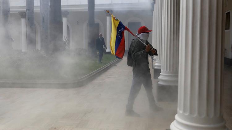 Autoridades venezolanas anuncian 'Feria Constitucional' el mismo día del plebiscito opositor (VIDEO)
