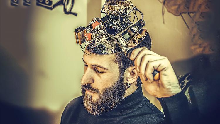 ¿De verdad tendremos microchips en el cerebro y una mente superior en solo 10 años?