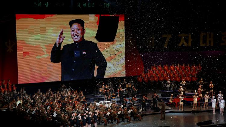 VIDEO: Kim Jong-un celebra de forma fastuosa el lanzamiento de su primer misil intercontinental
