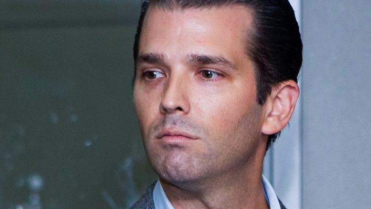 """""""Una tontería absurda"""": Hijo de Trump revela correos sobre su reunión con una abogada rusa"""