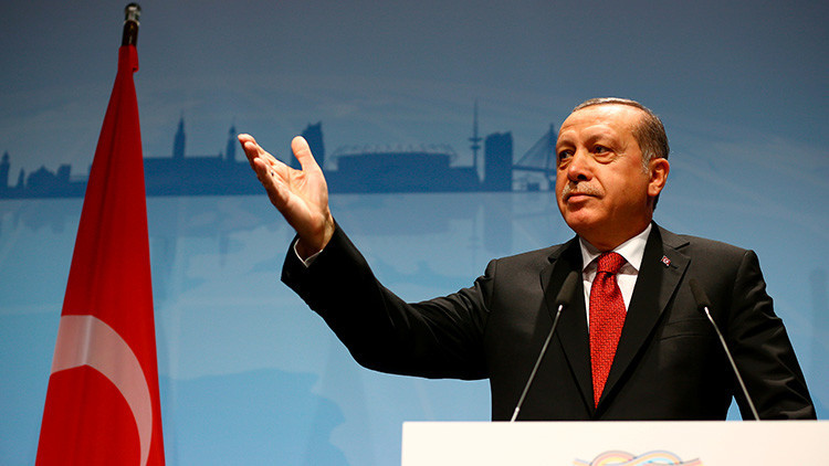 Legisladores suecos demandan a Erdogan por genocidio y