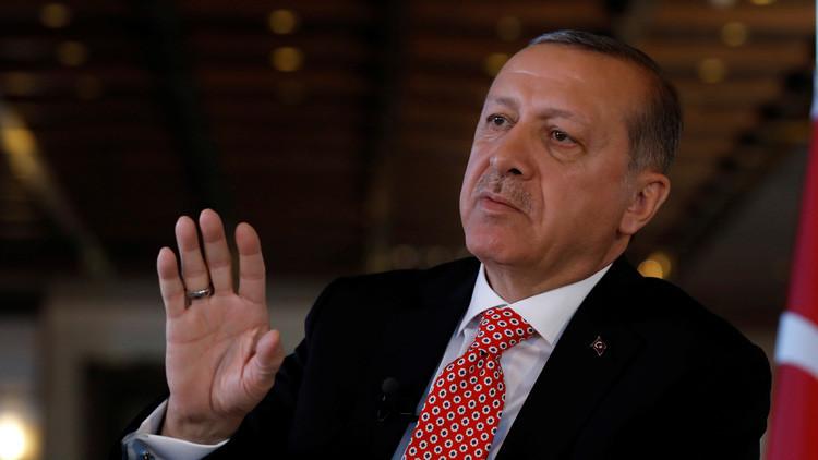 """Erdogán: """"La UE nos está haciendo perder el tiempo"""""""