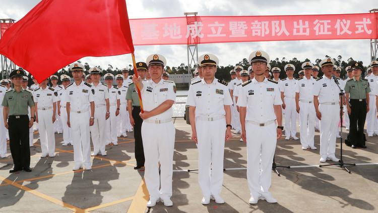 China manda buques y tropas a base en África para combatir piratas
