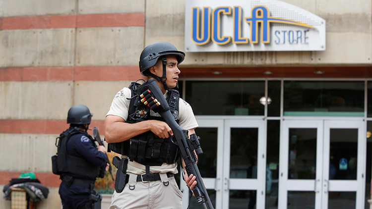 Evacúan una residencia de la Universidad de California por amenaza de bomba