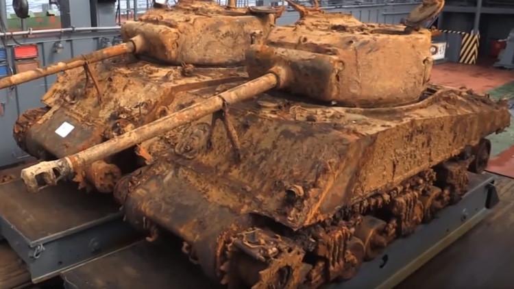 Sacan a flote tanques de la Segunda Guerra Mundial hundidos en el mar de Barents (Video)