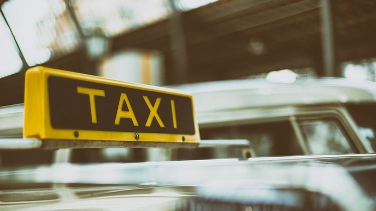 Una actriz mexicana se queda sin trabajo y se hace... taxista