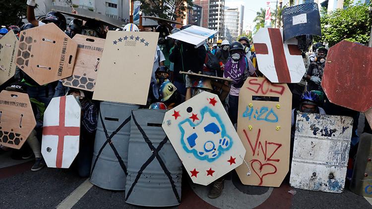 """Alertan sobre manifestaciones de """"fundamentalismo religioso"""" en las guarimbas venezolanas"""