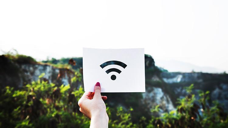 22.000 personas aceptan limpiar retretes por no leer los términos y condiciones de uso del Wi-Fi