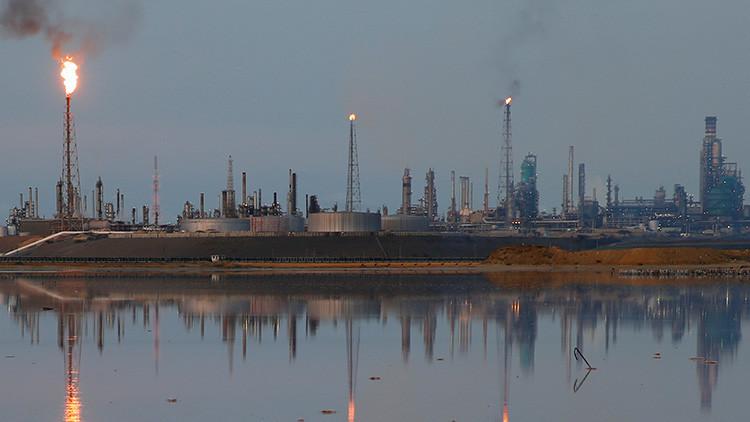 Petrolera estadounidense firma convenio con gobierno de Venezuela