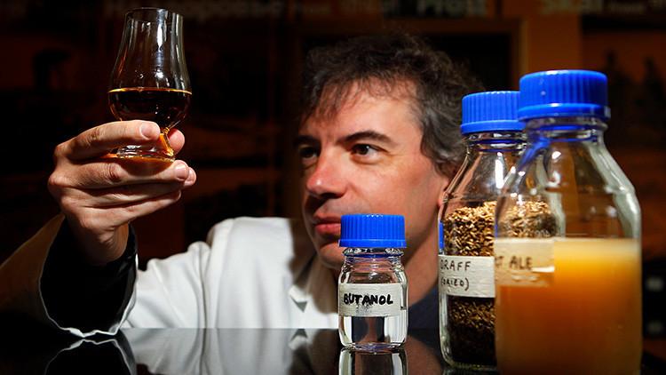 'Señor policía, yo no bebí... pero mi coche sí': Prueban con éxito un combustible basado en whisky
